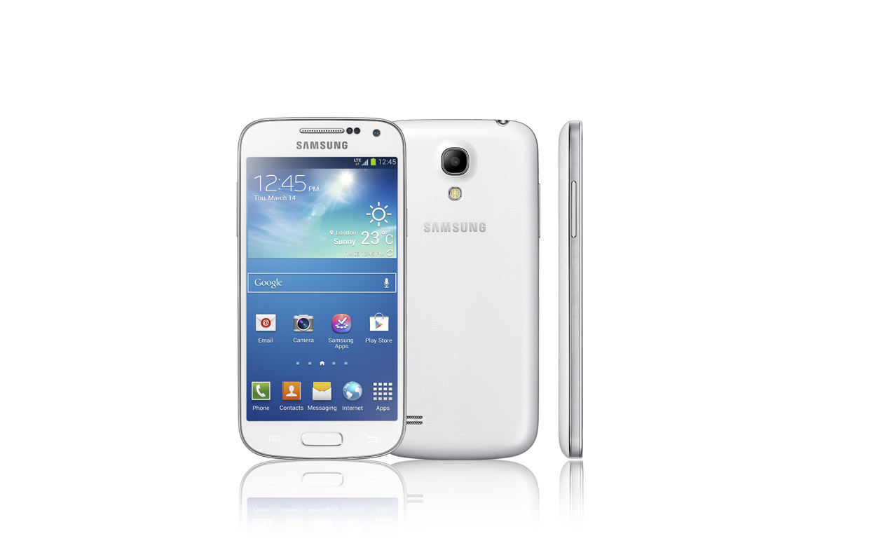 The Verizon Samsung Galaxy J7 Prepaid 16GB Smartphone keeps you connected to your life. It runs on the Android operating system and is compatible with thousands of games, social networks and other apps available in the Google Play store.